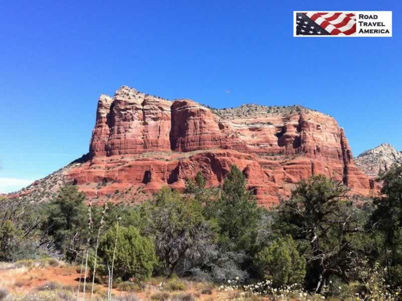 The rugged beauty and vivid colors of the rocks and mountains surrounding Sedona